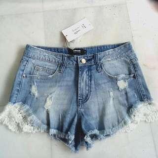 TEMT valleygirl Crochet Light Denim Shorts