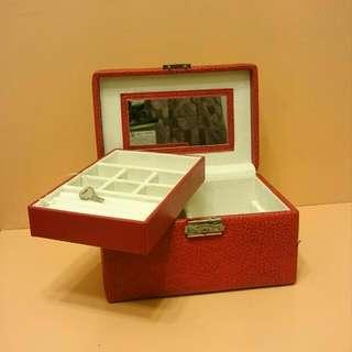 7x5.5吋兩層有鎖手飾盒