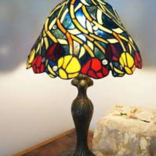 Vintage Retro Floral Tiffany Table Light w/ Stained Glass Lamp Shade