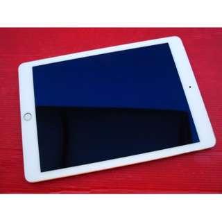 ※iPad Air 2 16G LTE 金色 原廠過保固2015年12月10日 保存好機況佳 換機優先