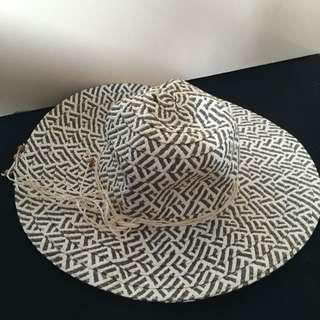 Valleygirl Hat