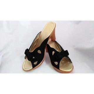 Black Ribbon Sandals: Mira
