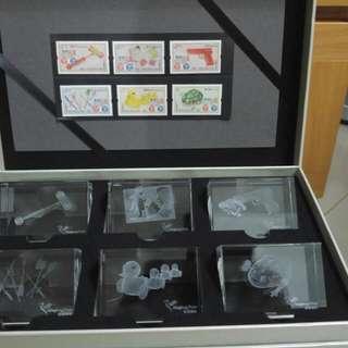 香港玩具特別郵票連水晶擺設禮盒一套