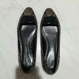 Preloved Flatshoes By Charles N Keith