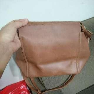 Sling Bag Bata