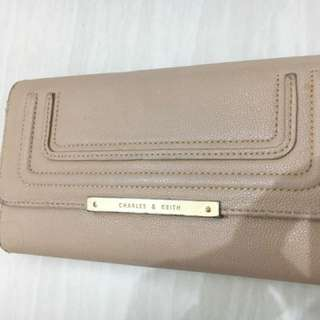 Preloved Dompet Charles N Keith