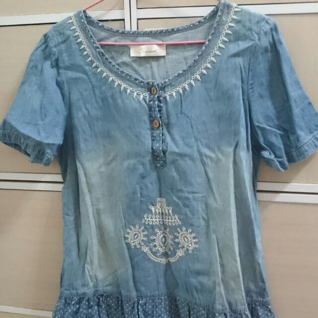 二手 日系 藍 圓點 刺繡 刷色 刷白 牛仔 單寧 裙擺 短袖 上衣 牛仔上衣 單寧上衣 古著