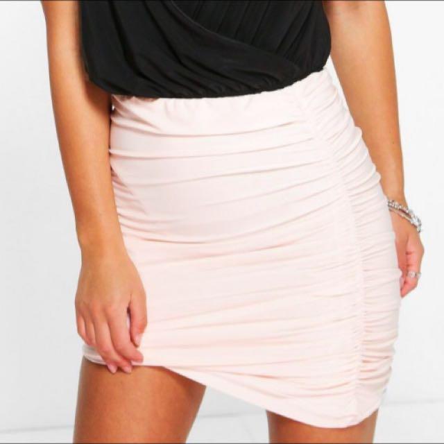 Boohoo salmony pink skirt