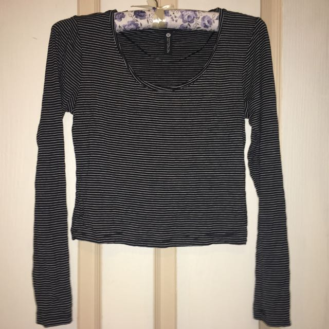 Cotton On 3/4 Sleeve Crop Top