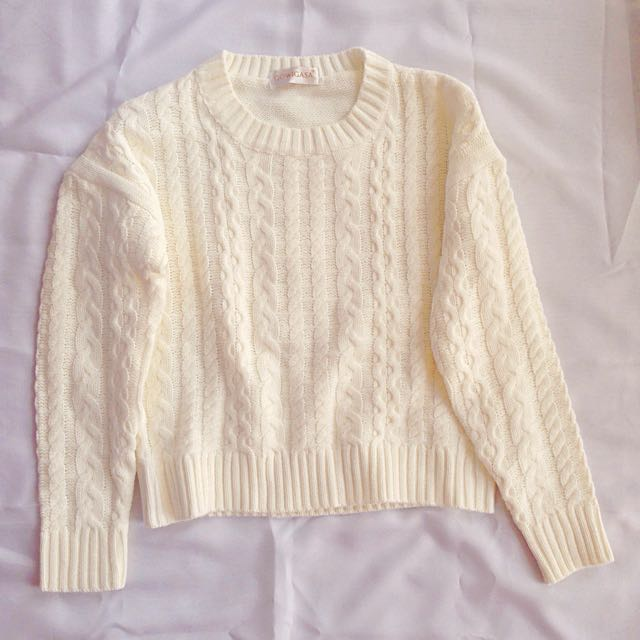 Gowigasa Cable Sweater