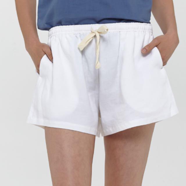 Hansen & Gretel White Linen Short Size 8