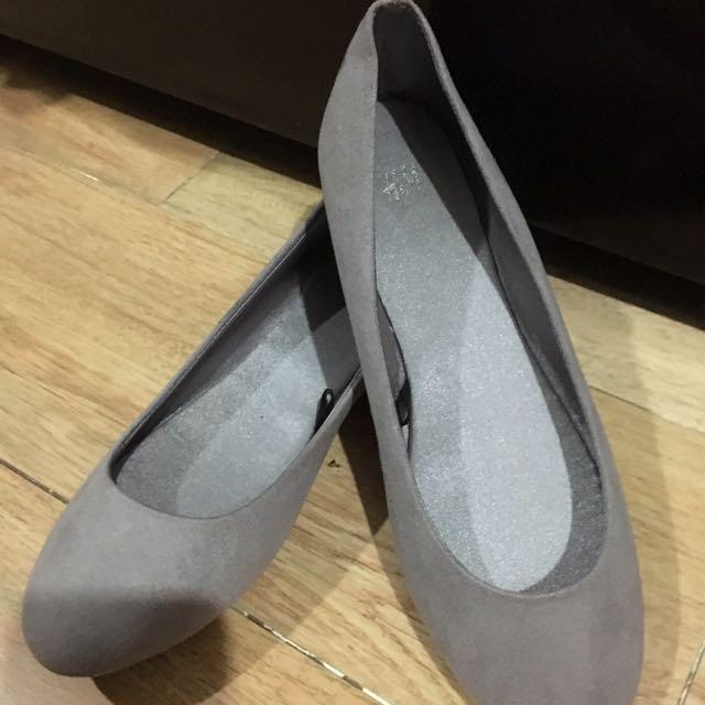 H&M Gray Flats