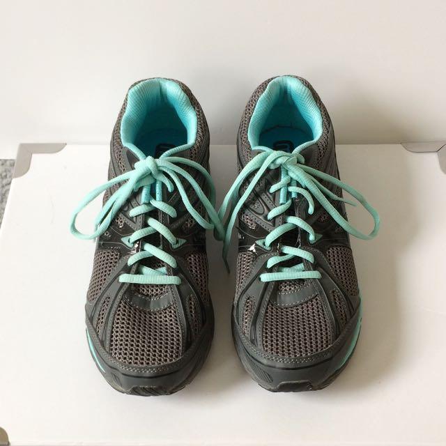 Michelle Bridges Runners Size 9