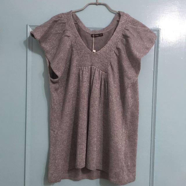《只想清衣櫃》MOMA 銀灰色針織上衣 罩衫
