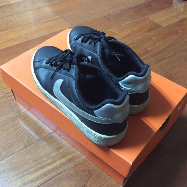 Nike 黑色板鞋23.5