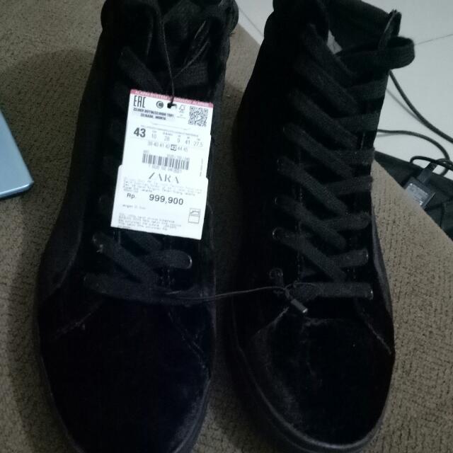 Sepatu Zara Sneaker Mid Velvet Black Solit