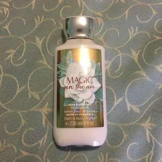 Bath & Body Works - Magic In The Air Body Lotion