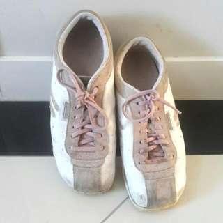 Sketchers Grey/Pink Walking Shoes