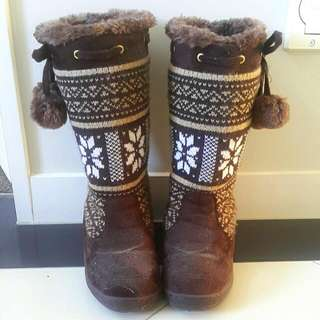 Faux Fur-Lined Winter Boots (Cute For Going Skiing!)