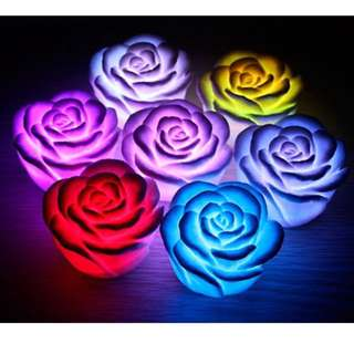 ROSE-SHAPED 7-COLOUR CHANGE BATTERY LED LIGHT