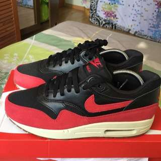 sale retailer b69aa 010ff Nike Air Max 1 Essential BRED