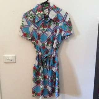 Vintage Dress - Size 14 (but more an M)