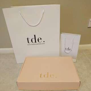 TDE The Daily Edited Shopping Bag + Box