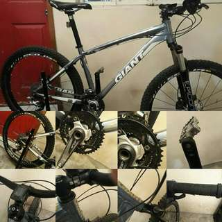 Giant XTC SIZE 26 MOUNTAIN BIKE