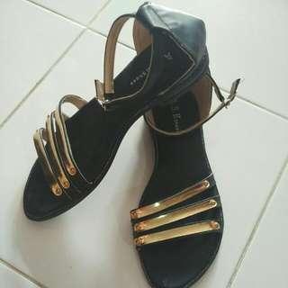 #jatuhharga Sepatu Sandal