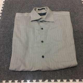 🚚 PerryEllis襯衫。原價2850,現ㄧ折,售280