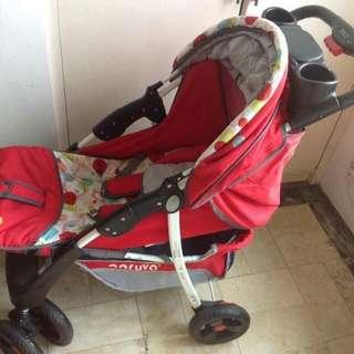 7cf.Electrolux No Frost 2 Door Ref playmat,stroller,lpg Tank