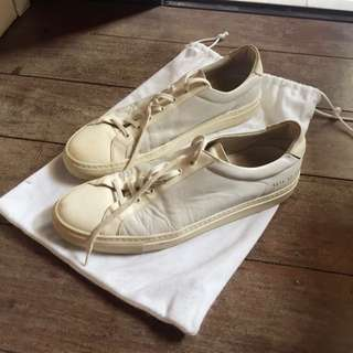 Common Projects Achilles Low Off White Uk42