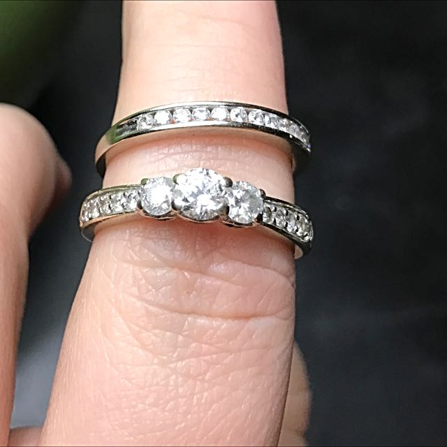 1.5 Carat White Gold Engagement And Wedding Band Set.