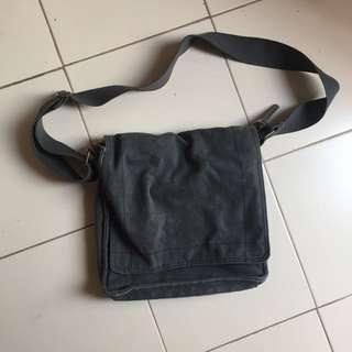 Giordano Auth bag