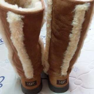 Repriced Authentic Australian Uggs Size 6