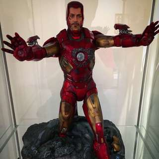 Iron Man Mk7 Battle Damaged Edition (limited To 800 In The World)