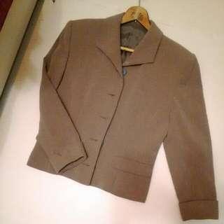 麻色西裝外套