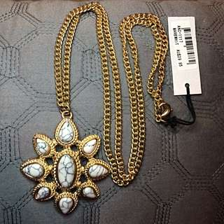 Marble and Gold Adorne Necklace