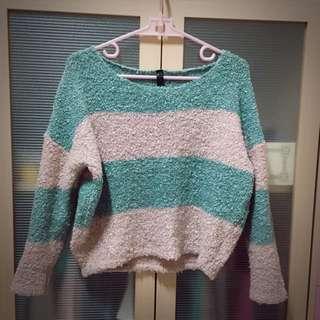 綠粉捲捲短版毛衣