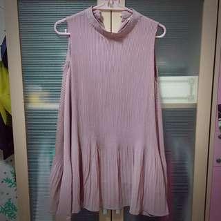 藕粉百褶洋裝