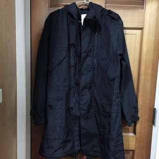 🚚 ESPRIT 男裝黑色防雨磁扣風衣
