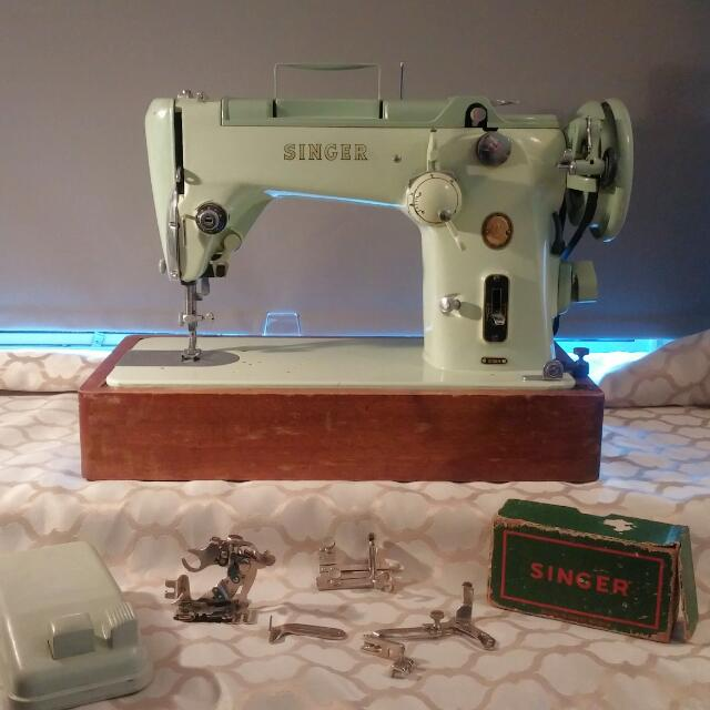 319K Singer sewing Machine