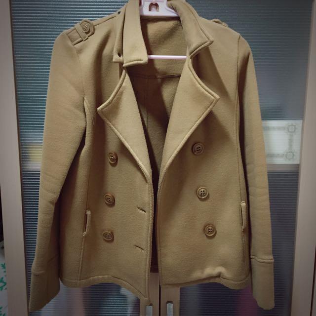 卡其色大衣外套