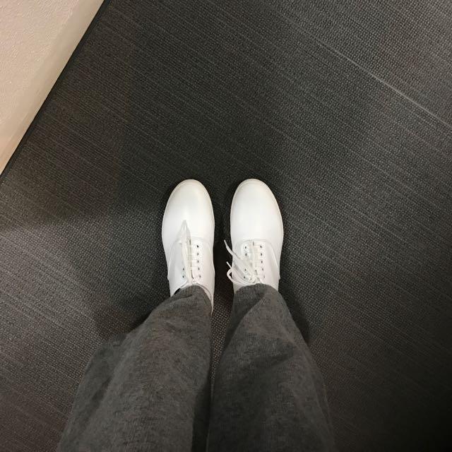 代購 Comme Des Garçons便鞋 黑/白
