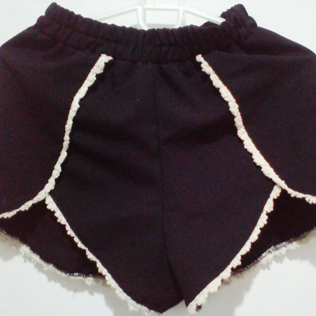 Black Sexy Shorts (comes w/ a Freebie)