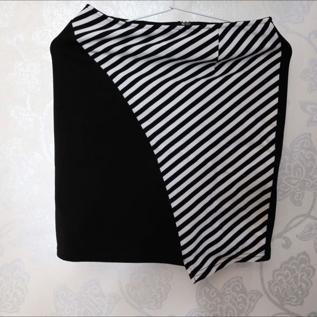 Bodycon Striped Rok Hitam Putih