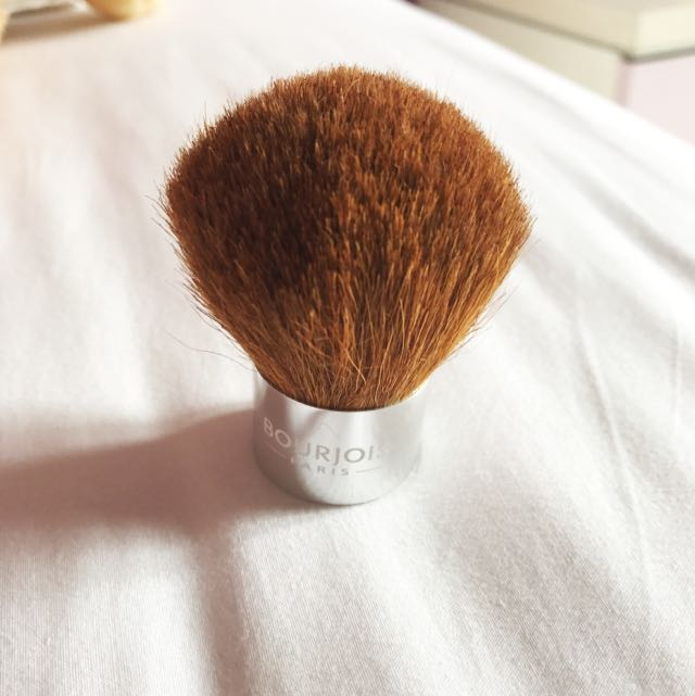 Bourjois Paris Kabuki Brush (for blush and powder)