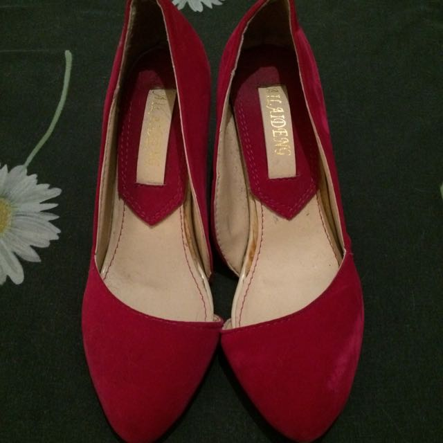 "Bright Pink Point Heels with Small 2.5"" Heels and Open Sides, Size 5"