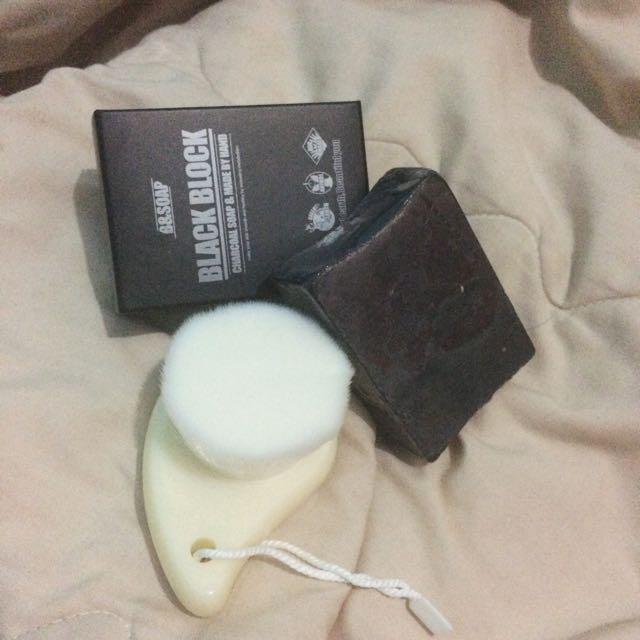 B&SOAP BLACK BLOCK SET ( WITH BRUSH )
