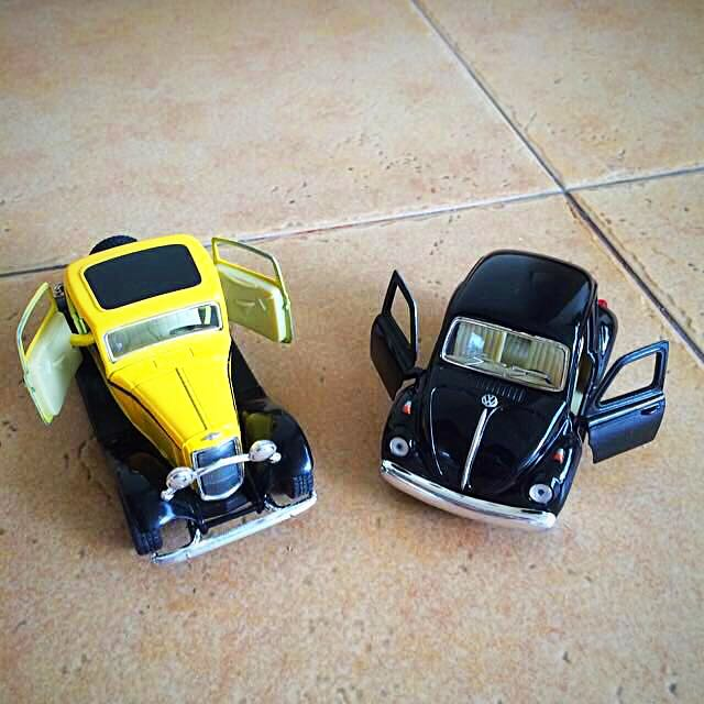 Car Display Model Antique Cars: Black Beetle & Yellow Coupe